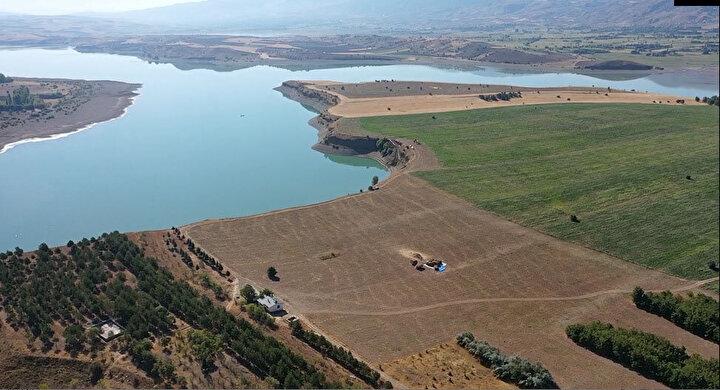 İstanbulda yaşayan İsmail Karabiber, üzerinde ev de bulunan adaya 8 milyon TL fiyat belirledi. Ada için internet üzerinden satış ilanı verildi.