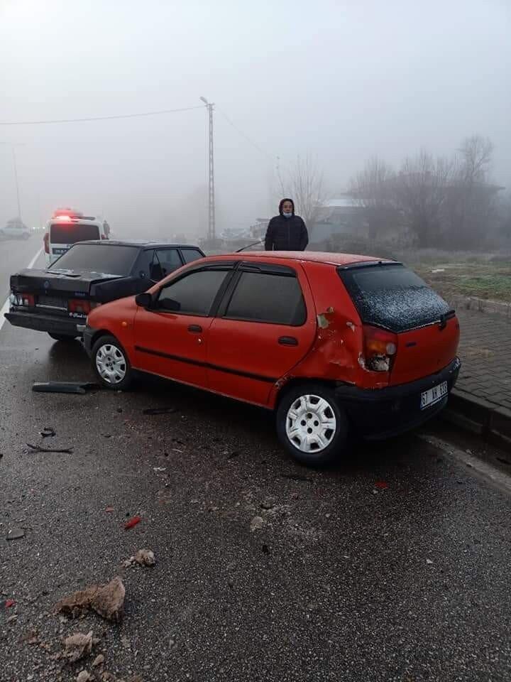 Toplam 10 aracın birbirine girdiği kazada 12 kişi hafif şekilde yaralandı. 112 ekiplerince ilk müdahalesi yapılan yaralılar tedavi için Bartın Devlet Hastanesine kaldırıldı.