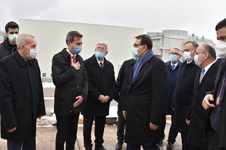 Cumhurbaşkanı Erdoğan, konuşmasının ardından 'Ya Allah Bismillah' diyerek tören alanındakiler tarafından kurdele kesimiyle Kolin Termik Santralinin açılışı gerçekleştirildi. Cumhurbaşkanı Erdoğan Salihli ilçesine bağlanarak Salihli'deki JES-2 ve JES-3 jeotermal santrallerinin, Alaşehir ilçesine bağlanarak Maspo Ala 2 Jeotermal Enerji Santralinin açılışını gerçekleştirdi. Cumhurbaşkanı Erdoğan son olarak Soma ve Kırkağaç ilçelerine bağlanarak ilçelere doğalgaz verme arzını gerçekleştirdi.