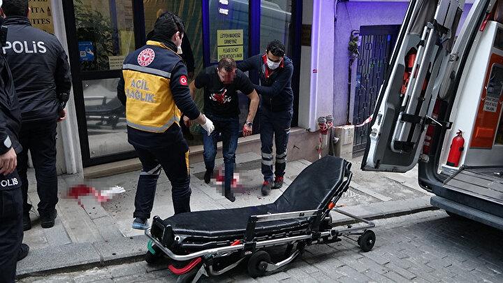 Polis ekipleri olay yerine emniyet şeridi çekerek incelemelerde bulundu.