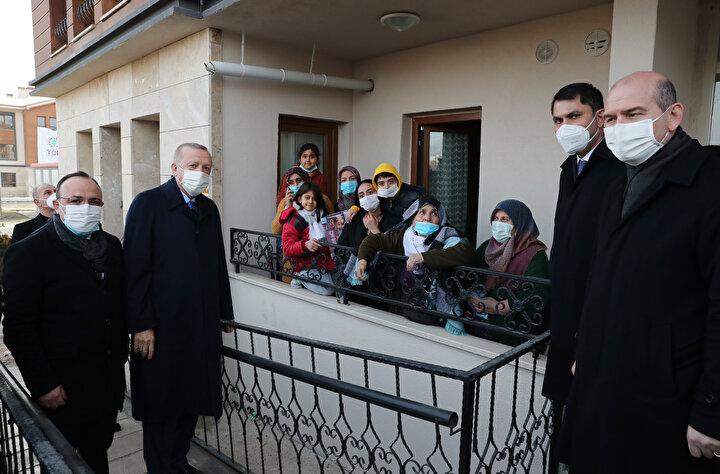Cumhurbaşkanı Erdoğan kenti ziyareti sırasında, vatandaşlarla da sohbet etti.
