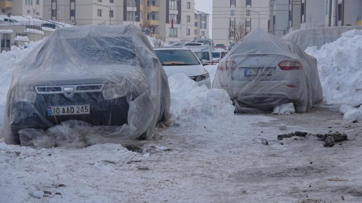 İlçede geçen hafta yağan kar yağışı sonrası dondurucu soğuklar etkili oldu.