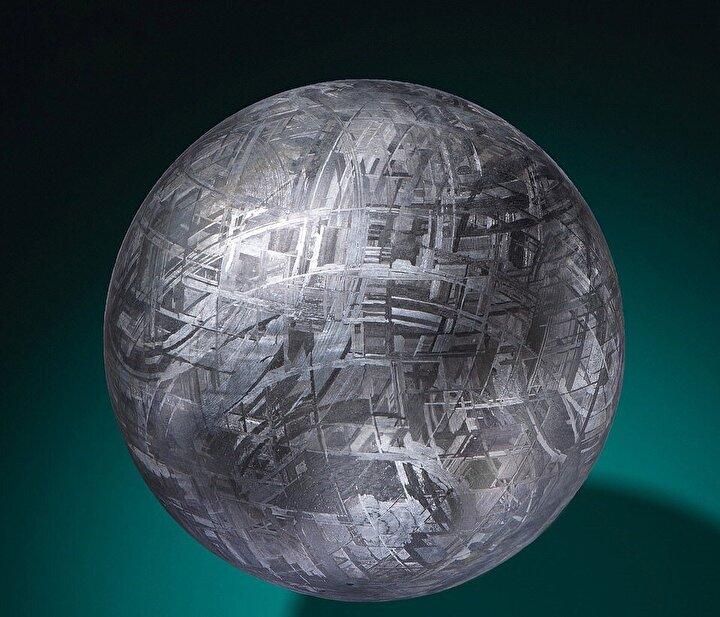 Söz konusu meteorların 50 bin ile 180 bin dolara satışa çıkarıldığı belirtildi.