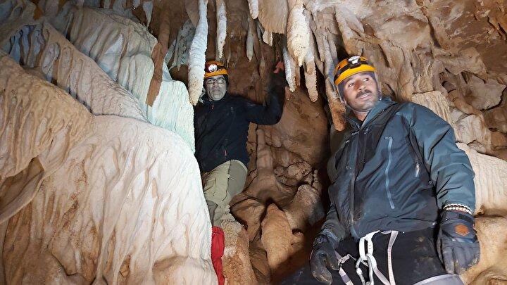 Hakkaride bir grup dağcı, 2 sene önce yaptıkları faaliyetler sırasında Sümbül Dağındaki mağarayı keşfetti.
