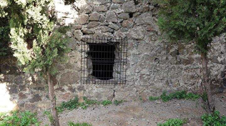 Güzelhisar Kalesi arazisinin 1737- 1745 yılları arasında Osmanlı İmparatorluğu döneminde Trabzon Valiliği görevini üstlenen Gümüşhaneli Üçüncüzade Ömer Paşaya ait olduğunu öne süren torunları, Ganita mevkisinde askeriyenin kullanımındaki bölgenin varislerinin kendileri olduğunu öne sürdü.