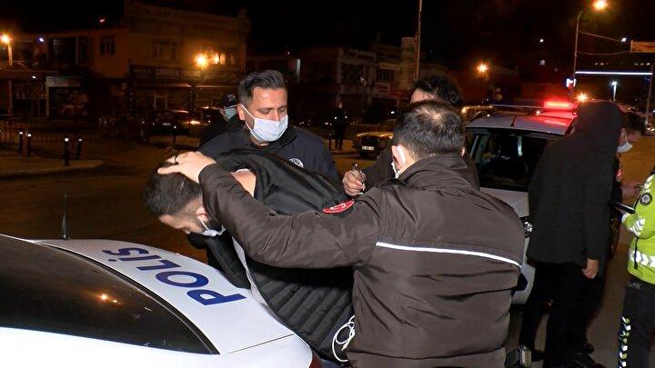 Polis ekipleri kaçan sürücüyü yakalamak için geniş çaplı çalışma başlattı. Bir yandan kaçan otomobili kovalayan polis, bir yandan da çevredeki bütün yolları kapatarak tedbir aldı.