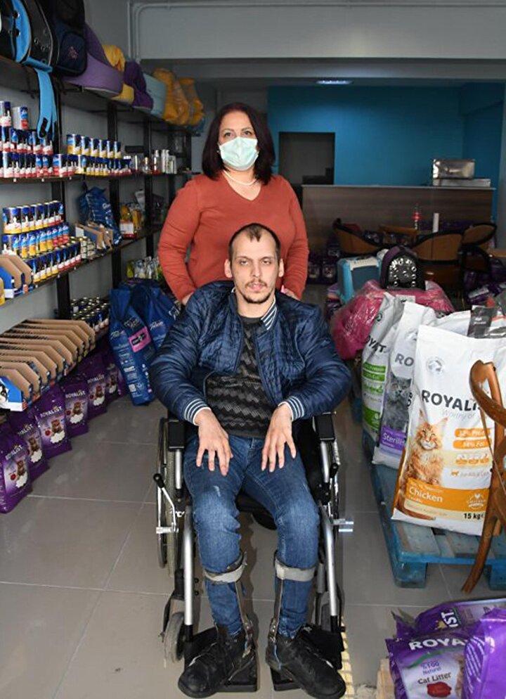 Engellilerin de hayata tutunması için yapması gereken şeyler olduğunu ifade eden Yurdseven, Sonuç itibariyle insanın birey olarak para kazanması gerekiyor. Biz de böyle bir yöntem geliştirdik, en büyük hayallerimden birisiydi, ticaretle uğraşmak dedi.