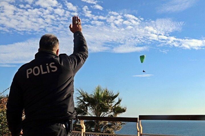 """""""Polis kuş uçurtmadı"""" deyimi Antalya'da gerçek oldu"""
