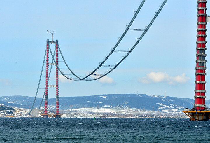 Köprünün, Çanakkale Deniz Zaferinin 107nci yıl dönümüne rastlayan 18 Mart 2022de hizmete alınması planlanıyor.