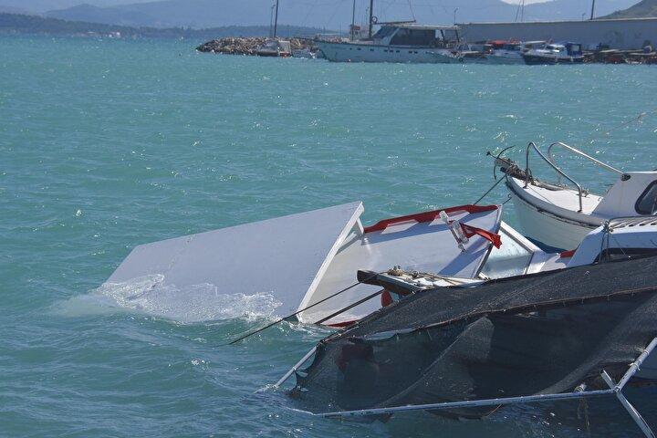 İzmiri fırtına vurdu Evlerin çatısı uçtu, kafeler kullanılamaz hale geldi