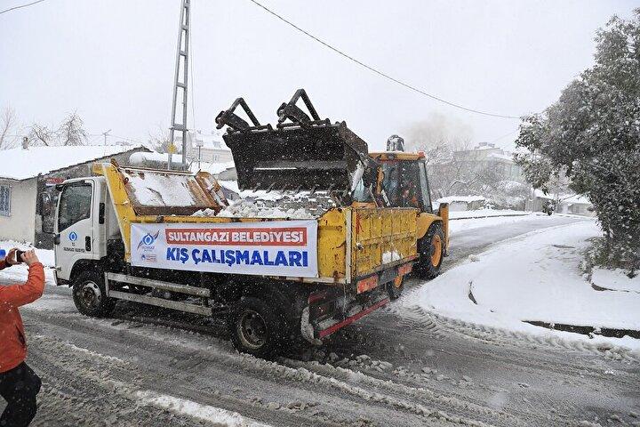 Cadde ve sokaklardan toplanan karlar Alibeyköy Barajı bölgesine dökülüyor
