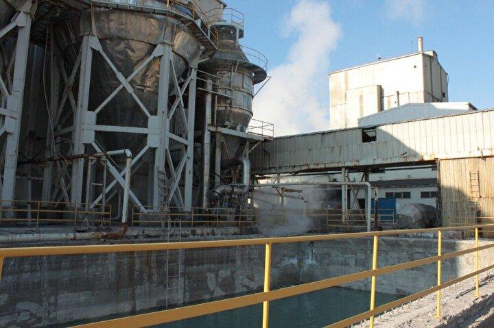 Türkiyenin önemli tuz üretim tesislerinden bir tanesi olan ve Çankırıda faaliyet gösteren fabrika, rafine tuz üretiminde kullandığı buhar ile aynı zamanda elektrik de üretiyor. Buhara dayalı ısıtma sistemi kullanan fabrika, bünyesinde kurduğu kojenerasyon sistemi sayesinde fabrikanın ihtiyacı olan elektriği de üretiyor. Fabrika aylık yaklaşık 600 bin kilovatlık elektrik üreten sistem sayesinde, yılda 7,5 milyon lira tasarruf sağlıyor.