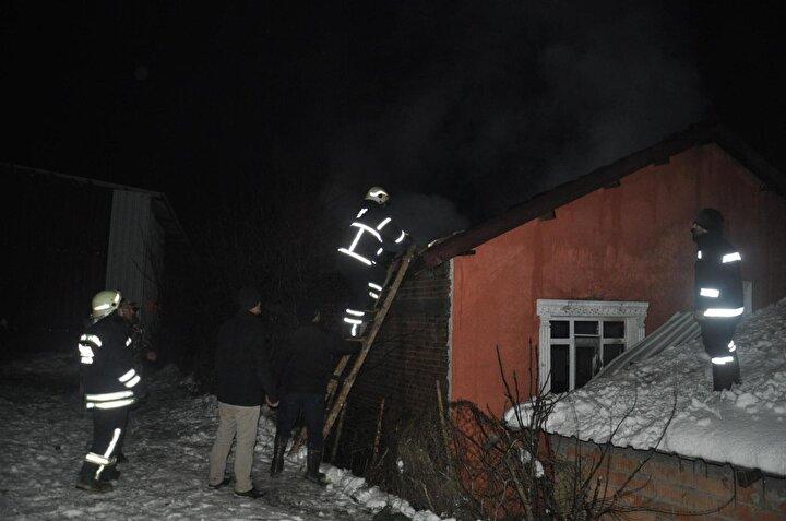 6 aylık evli çiftçin evi yanarak, küle döndü