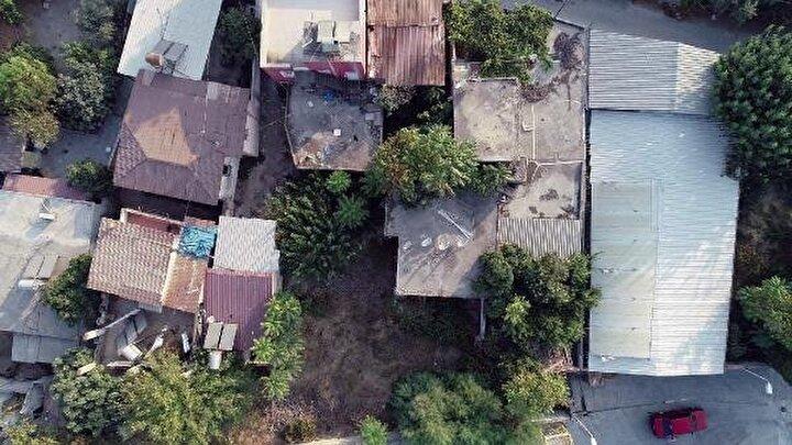 82 Evler Mahallesinde 3üncü derece arkeolojik SİT alanında gerçekleştirilen kazı çalışmalarına ilişkin 2 Kasım 2017 tarihli uzman raporunda, kazı çalışmalarında 1 adet bronz sikke, kırık sütun parçası, etütlük durumda seramik parçaları haricinde envanterlik nitelikte taşınır- taşınmaz kültür varlığına rastlanmadığı vurgulandı.