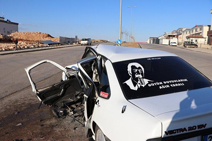 Çevredekilerin ihbarı üzerine olay yerine 112 Acil Sağlık ve itfaiye ekipleri yönlendirildi. Sürücü Yusuf A, itfaiye ekiplerince sıkıştığı araçtan çıkarıldı.