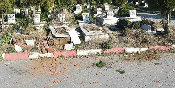 Olay, sabah saatlerinde Manisa Büyükşehir Belediyesi Turgutlu Yeni Mezarlığında meydana geldi.