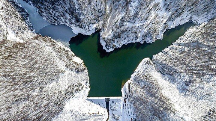 Düzce Valiliği tarafından 2021 yılı turizm yılı olarak ilan edilmesinin ardından, Düzce'nin önemli turizm noktalarının da tanıtımı yapılmaya başlandı. Daha önce Kardüz Yaylası, Efteni Gölü, Güzeldere, Samandere ve Aydınpınar Şelalelerinin tanıtımı yapılırken, Düzce'nin Cumayeri ilçesinde bulunan Harmankaya içinde tanıtım filmi hazırlandı. Son olarak Düzce'nin Akçakoca ilçesine 12 kilometre uzaklıkta bulunan Sarıyayla Baraj Göleti ve onu çevreleyen Kaplandede Dağları, Doğa Fotoğrafçısı Ahmet Bozdemir tarafından özel olarak görüntülendi.