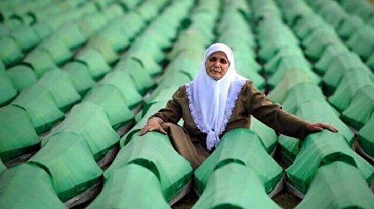 Srebrenitsa'nın Annesi eşine ve oğullarına kavuştu: Hatica Mehmedoviç
