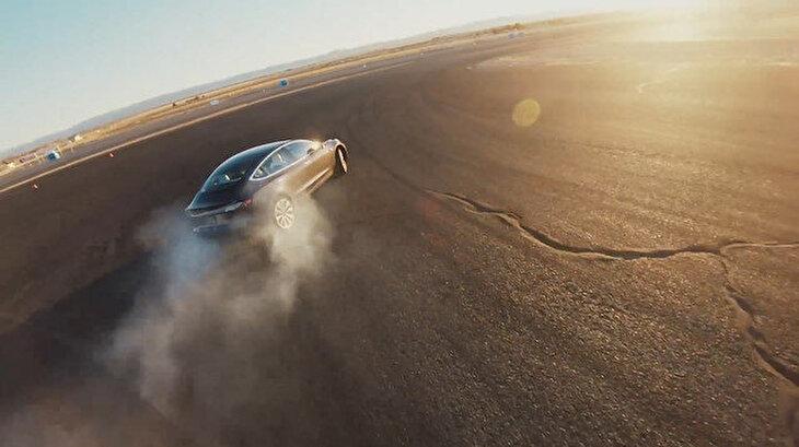 Dünyanın en hızlı spor sedan aracı: Tesla Model 3