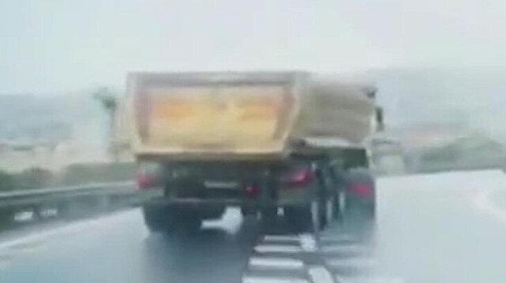 Hafriyat kamyonu drift yapıyor