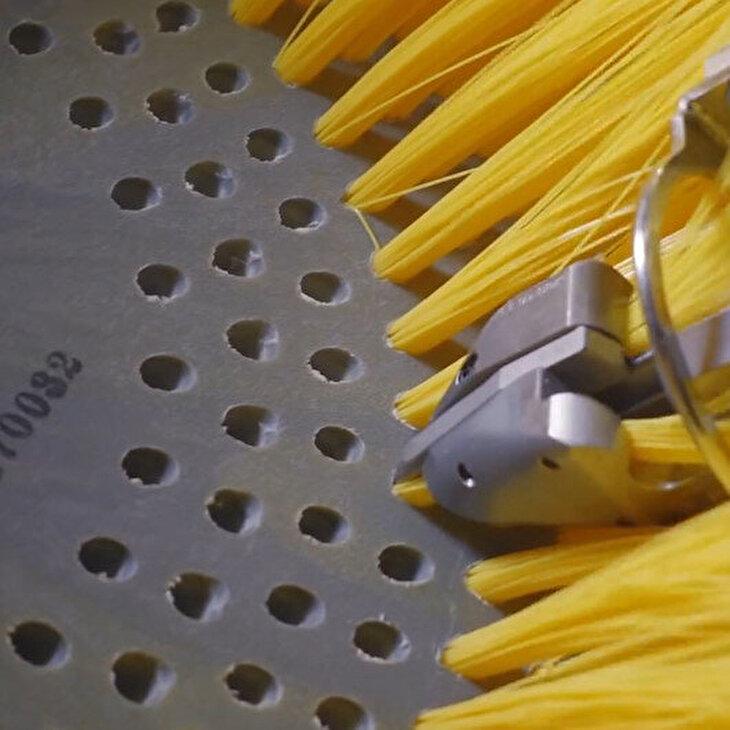 Süpürge ve fırçaların üstün teknoloji ile buluştuğu anlar