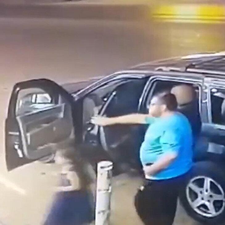Baba ve kızı kazadan saniyelerle kurtuldu