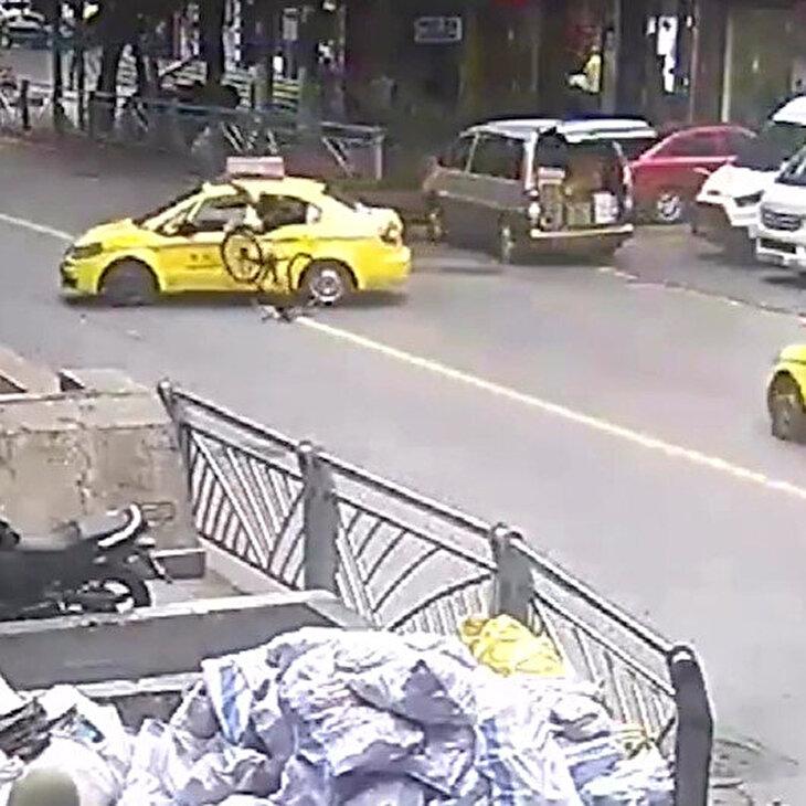 Kural tanımaz taksi şoförü bisiklet sürücüsüne felaketi yaşattı