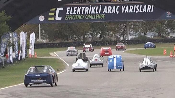 Kocaeli'de yerli elektrikli araç yarışması nefes kesti