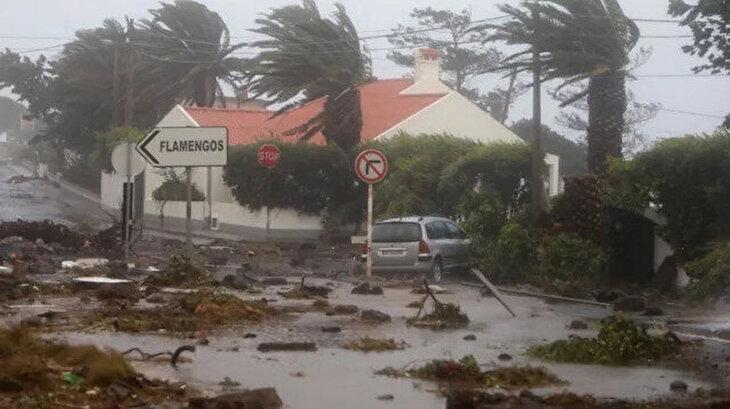 Lorenzo Kasırgası Portekiz adalarını vurdu