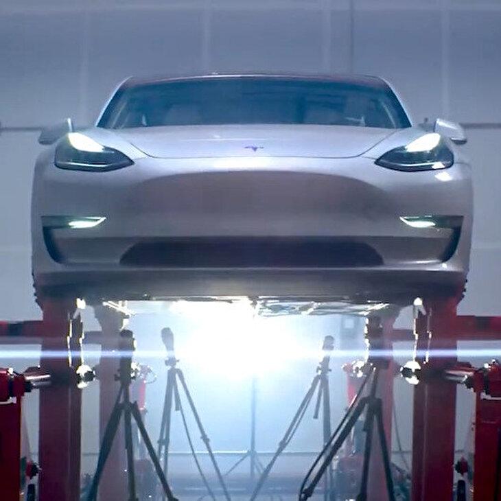 Tesla Model 3 dayanıklılık testleri