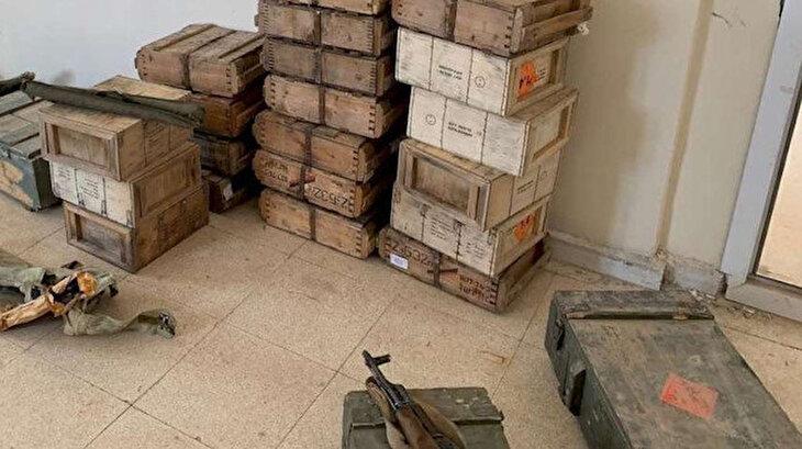 Tel Abyad'ta çok sayıda silah ve mühimmat ele geçirildi