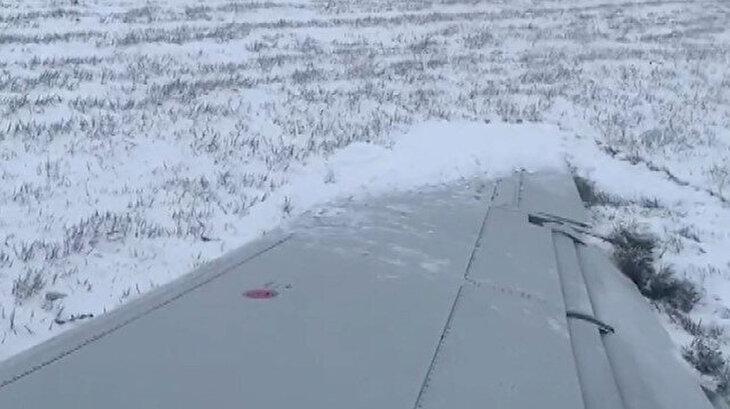 Yolcu uçağı pistten çıktı o anlar cep telefonu kamerasına yansıdı