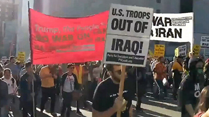 New York'ta panik: Times Meydanı'nda savaş karşıtı gösteri düzenlendi