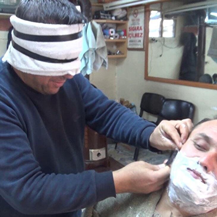20 yıllık berberden gözü kapalı tıraş şov