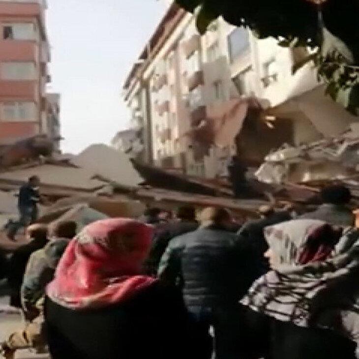 İstanbul Bahçelievler'de 7 katlı bina çöktü