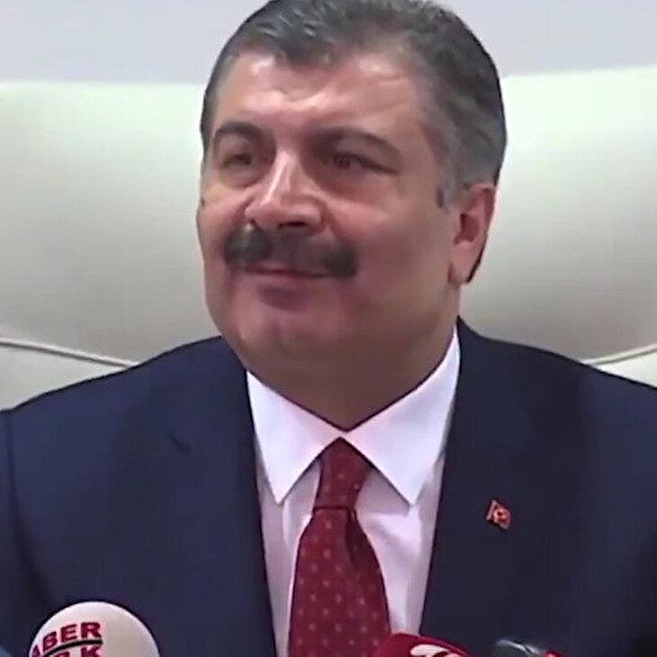 Sağlık Bakanı Koca'dan takdir toplayan yaklaşım: Kusura bakmayın kızım