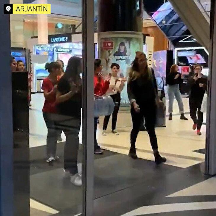 Arjantin'de AVM çalışanları evlerine gitmeyen müşterileri kovdu