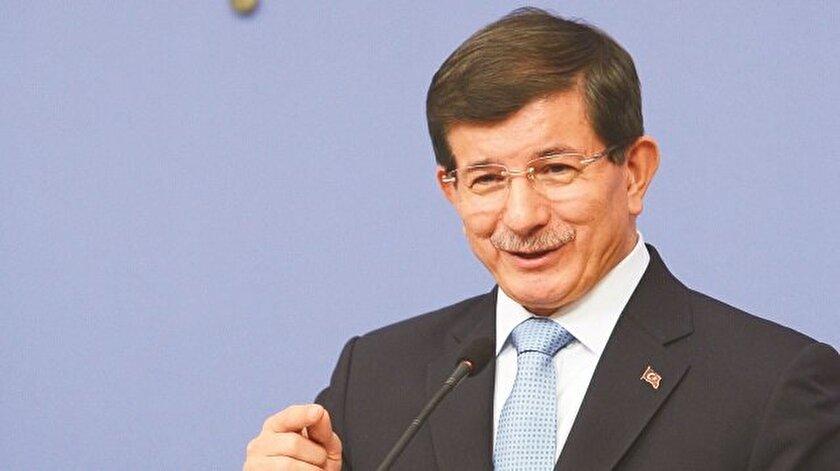 """Davutoğlu'dan """"dönüşümlü başbakanlık"""" cevabı"""