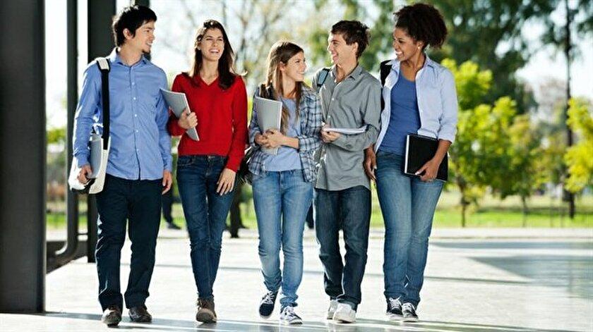 12 ülkeden 170 öğrenci 5 dilde eğitim