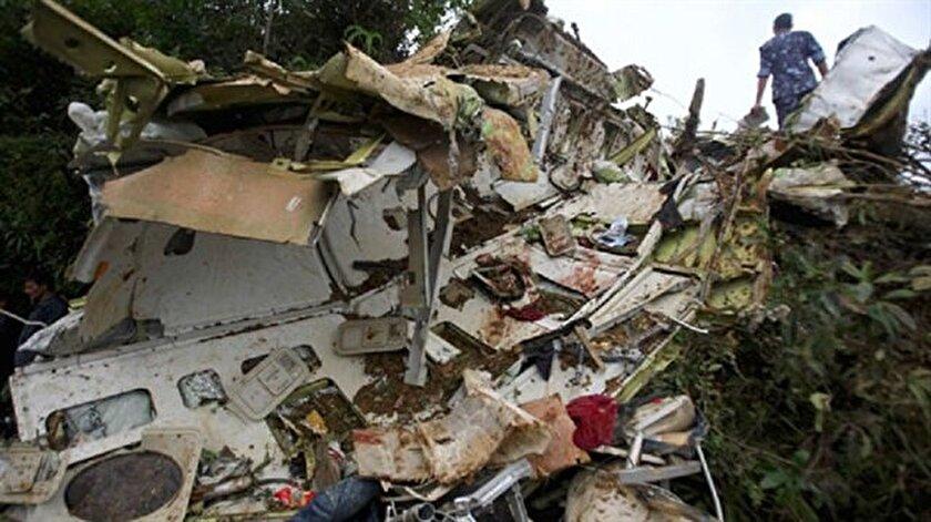 Hindistanda uçak kazası: 10 ölü