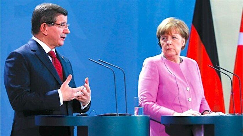 Başbakan Davutoğlu, Merkelle görüştü