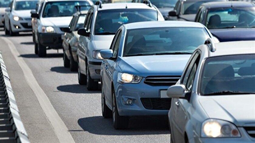Cumhurbaşkanlığı Bisiklet Turu ve Vodafone Yarı Maratonu nedeniyle İstanbul'da bazı yollar araç trafiğine kapatıldı.