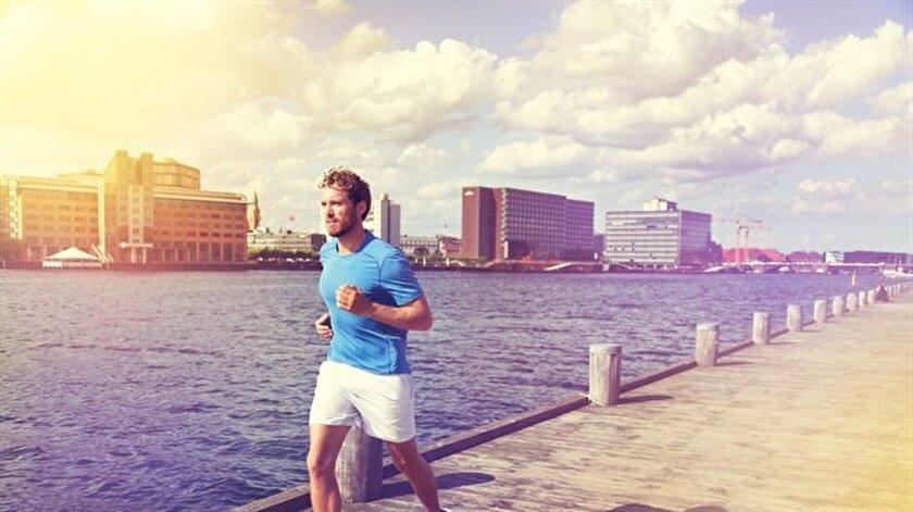 Uzmanlar kalp sağlığını korumak için günde  yarım saat haftada en az 150 dakika yürüyüş önerdi.