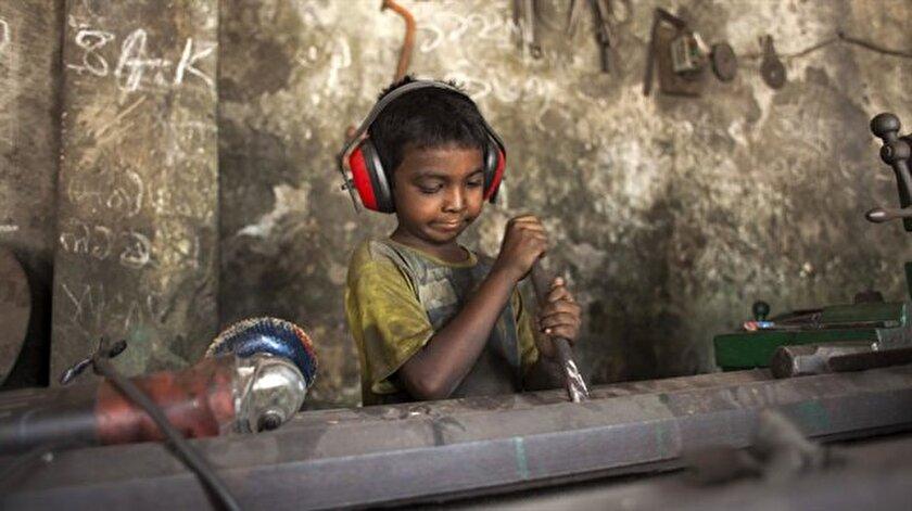 Küçük yaşta büyük sorumluluk yüklenen çocukların bir kısmı okumadıkları için bir kısmı da ekonomik nedenlerden dolayı çalışıyor.