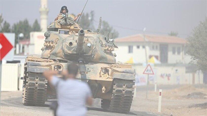 Sınıra tank sevkıyatı sürüyor.