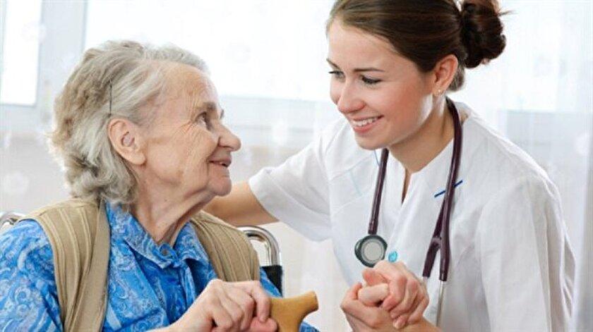 Türkiye'de hemşirelerin hastalara müdahalede sınırlamalarının genişletilmesi uzun zamandır gündemde.