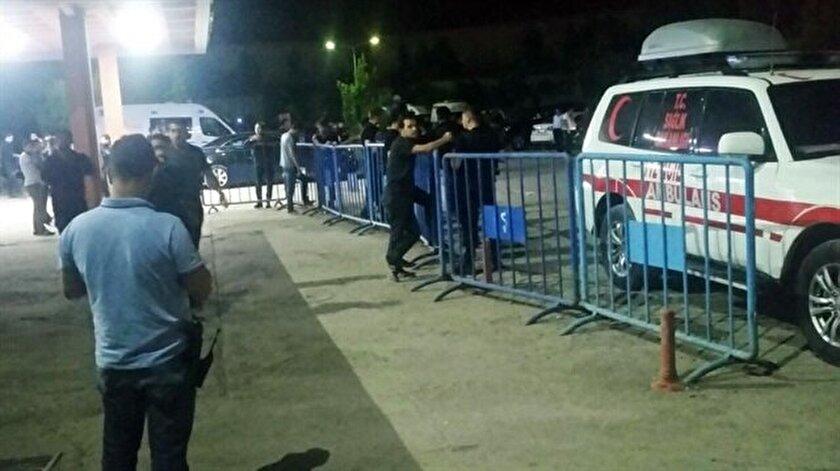 Şehit askerlerimizin cenazeleri Şırnak Devlet Hastanesine getirildi