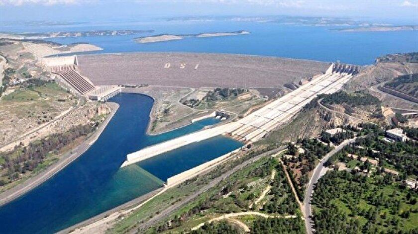 Atatürk Barajı Türk mühendislerin alın teriyle çeyrek asırdır milli ekonomiye destek sağlıyor.