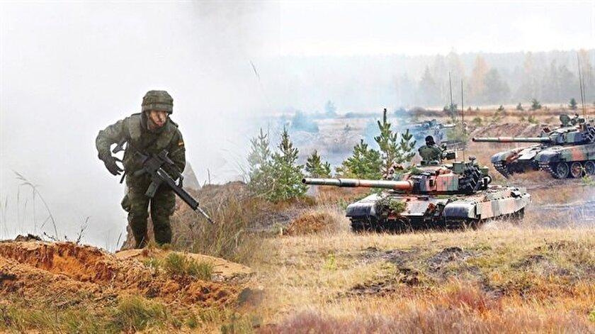 Senaryoya göre, hedef ülke 'Skolken', S-400 almak üzere olduğu ülke ile oldukça yakınlaşarak NATO için açık tehdit haline geldi. Atatürk ve Erdoğan'ın 'hedef' yapıldığı operasyon böylelikle başladı