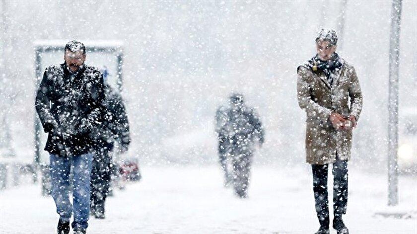 3 ile yoğun kar yapışı uyarısı! Rize, Ardahan, Artvin hava durumu